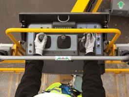 Những quy định an toàn sử dụng khi ngồi trên xe nâng người
