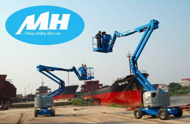 Xe nâng người boom lift tại cảng