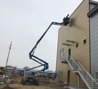 xe nâng người boom lift z60/34 sơn nhà xưởng ở kcn đồng văn 1, hà nam