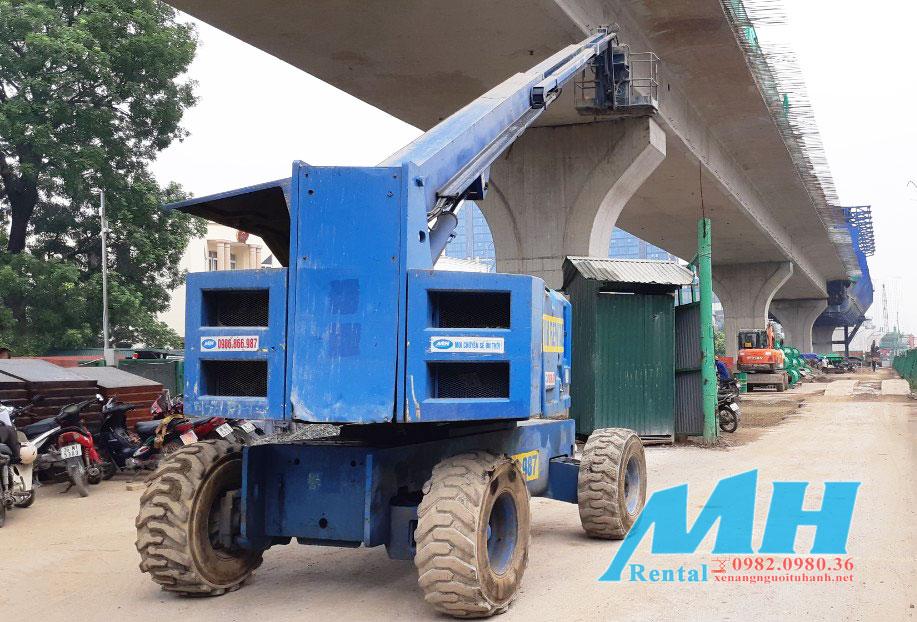 Xe nâng người- đường sắt trên cao tại Hà Nội